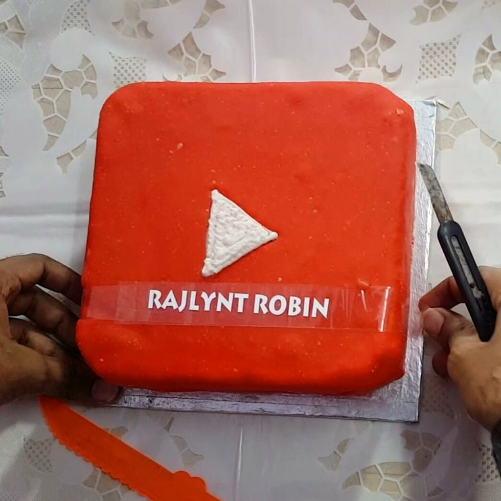 Super My Youtube Birthday Cake 2016 Rajlynt Robin They Surpri Flickr Personalised Birthday Cards Paralily Jamesorg