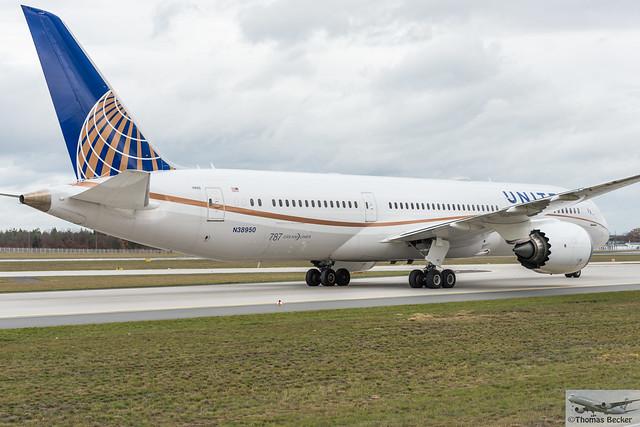 United Airlines Boeing 787-9 Dreamliner N38950 (886870)