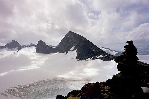 snow mountains norway hiking glacier jotunheimen sognefjellet smørstabbtind storbreatind zzid17 zzmain node:id=137
