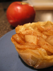 Phyllo Cups with Dulce de Leche and Spiced Apples