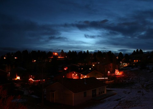 christmas morning beautiful sunrise lights montana ©tylerknottgregson