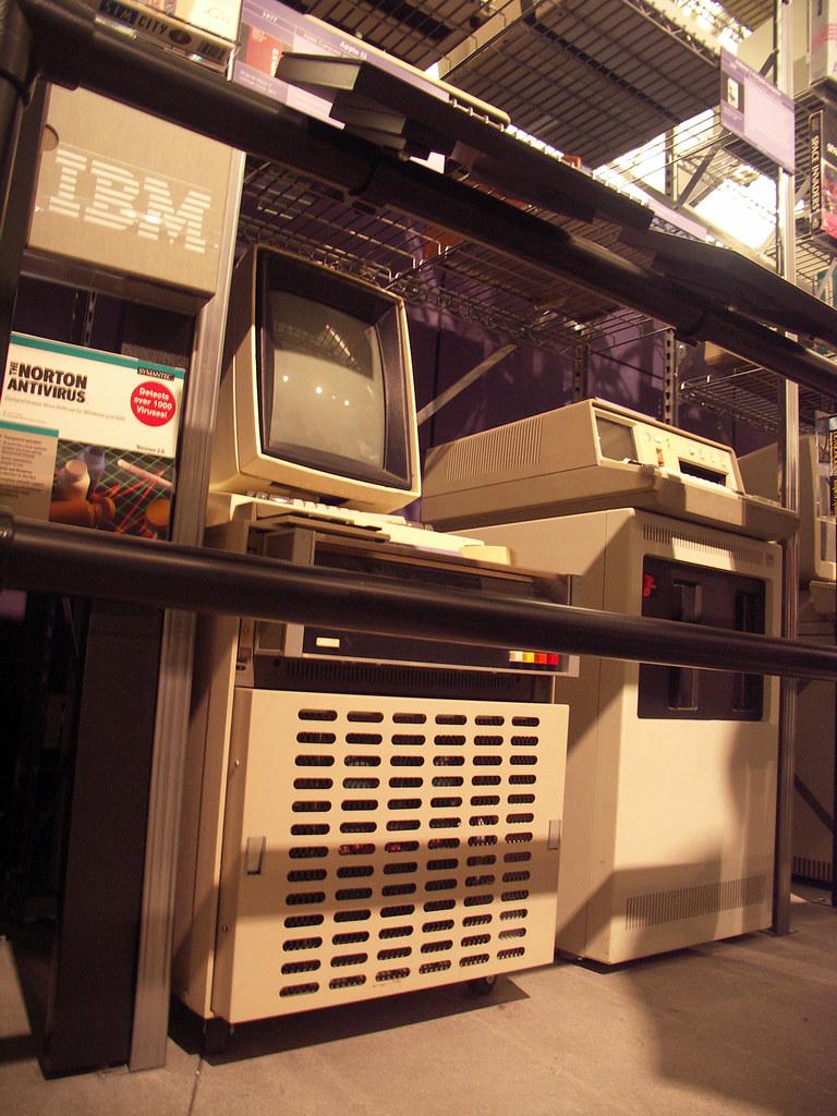 Xerox Alto and IBM 5100 | toepfer_c | Flickr
