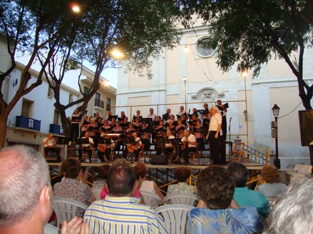 (2011-07-02) Concierto Rondalla-CEAM - Javier Montesinos Villaplana (01)
