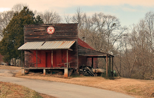cheoheevalley oconee oconeecounty sc southcarolina oldstore canon rebel xt upstate rural country roads store old vanishing vintage disappearing southernlife scenic pastoral landscape america usa southern southeast abandoned past yesteryear aged outside outdoor quaint