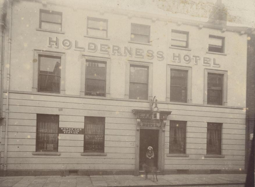 Holderness Hotel, Beverley 1905 (archive ref PH-4-7)