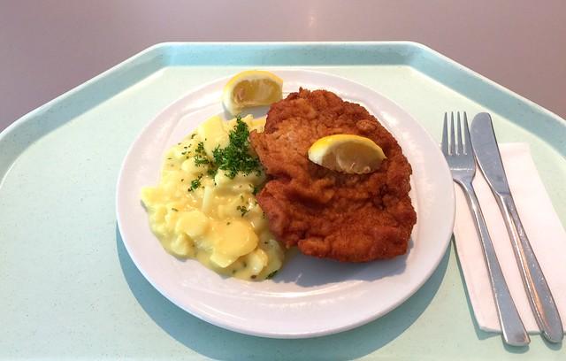 """Pork escalope """"vienna style"""" & potato salad / Schweineschnitzel """"Wiener Art"""" & Kartoffelsalat"""