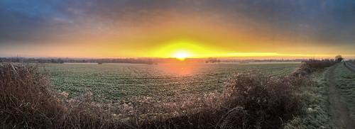 uk england sunrise frost frosty wansford