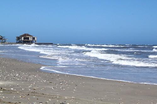 beach gulfofmexico water seashells coast sand surf waves texas shoreline bluesky watersedge gulfcoast beachscene sanluispass lv002 texasbeaches