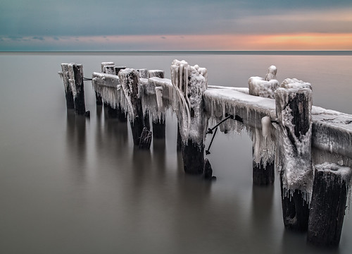 ca winter sea lake ontario canada cold ice water sunrise dark pier long exposure waterfront outdoor icy grimsby