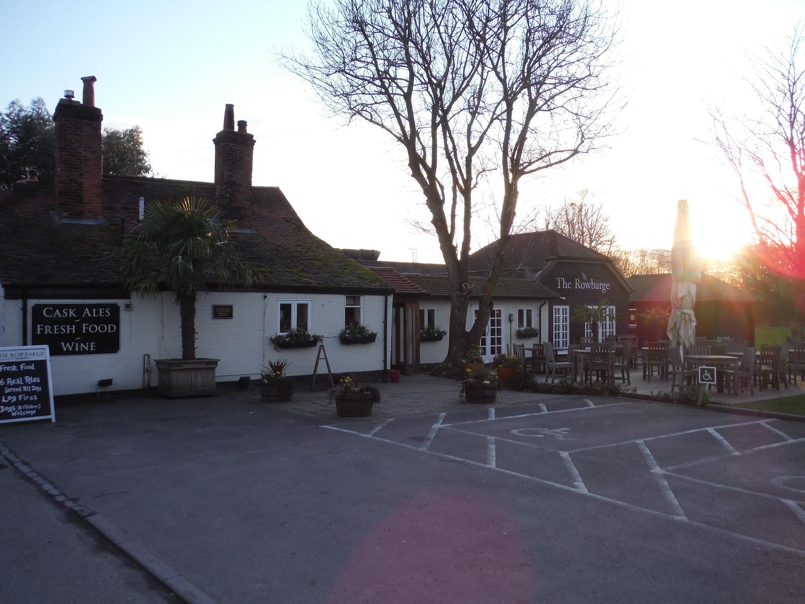 The Rowbarge Inn, Woolhampton SWC Walk 117 Aldermaston to Woolhampton (via Stanford Dingley)