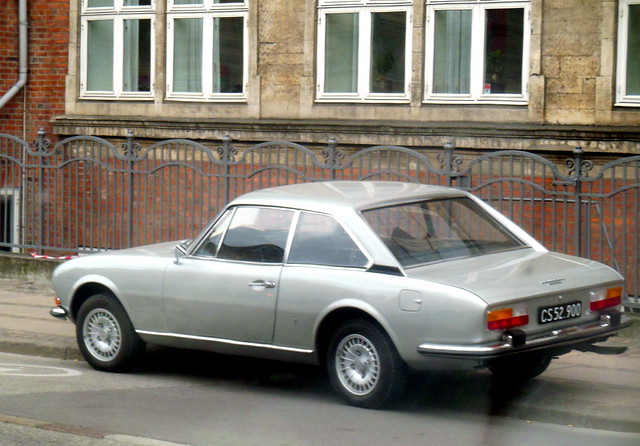 1972 Peugeot 504 Coupe CS52900 illegally parked or broken down  snapped through car window