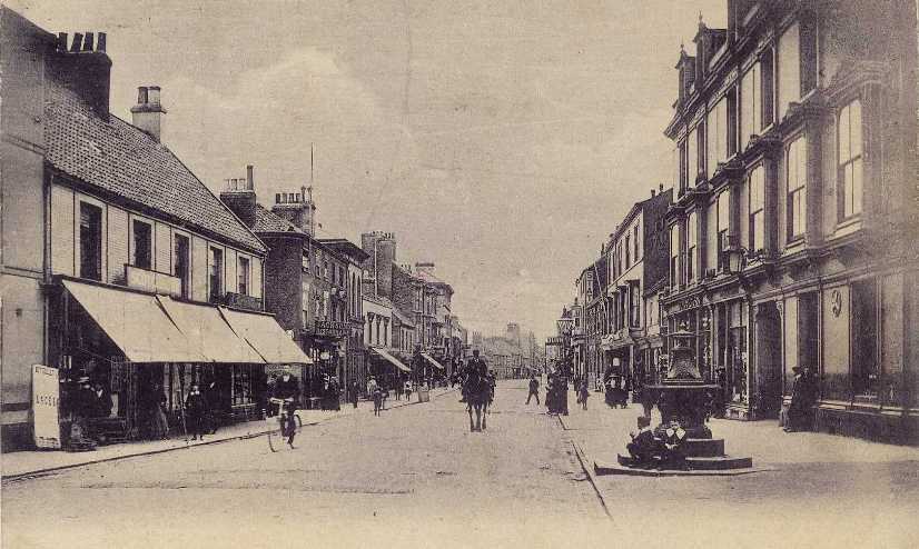 Driffield Middle Street South c.1905  (archive ref PO-1-33-42)
