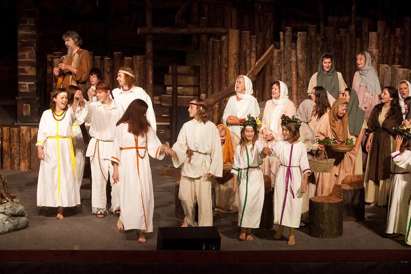 2010 Domača gledališka predstava Pod Svobodnim Soncem - foto Uroš Zagožen