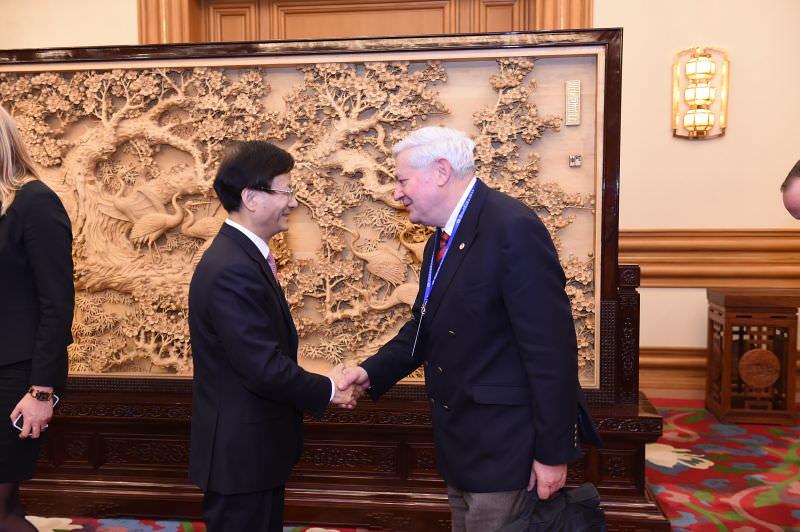 Bruno Gollnisch en Chine - Meeting with Mr. Meng 2
