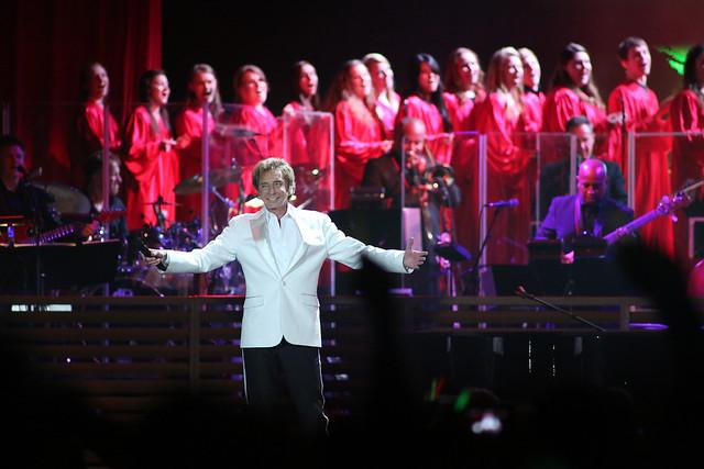 UWGB Concert Chorale at Resch Center Backing Barry Manilow
