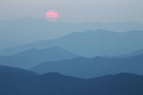 greatsmokymountainsnationalpark nps nationalpark nationalparkservice northcarolina smokymountains blue landscape mountains natural nature orange orb range red sky smoke sphere sun sunset trees valley wildfires brysoncity unitedstates us