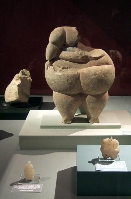 Valletta archeology museum fat women statues