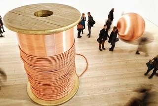 L i t t l e p e o p l e @saatchi_gallery #champagnelife #exhibition #gulliver #macrophotography #littlepeople #London #art #thisislondon #igerslondon   by Gavriil Papadiotis [GavriiLux]