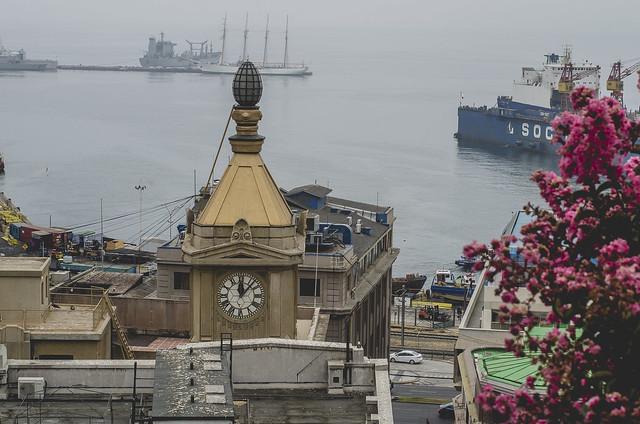Valparaíso, entre Calles y Colores.