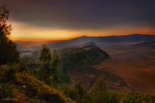 morning sky mountains sunrise indonesia landscape dawn volcano java idn mountbromo seaofsand cemorolawang tenggercaldera