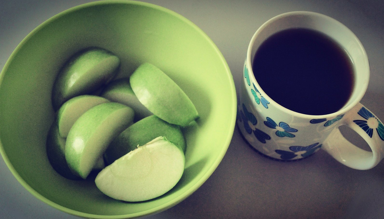 Morning bliss... green apple n black coffee...