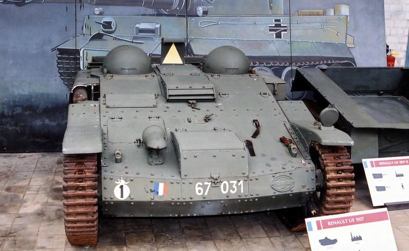 ルノー UE Tankette1