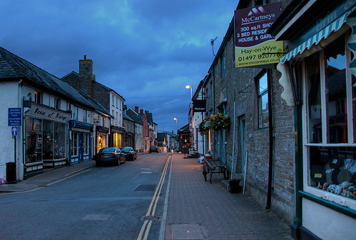 uk wales twilight bluehour hayonwye powys