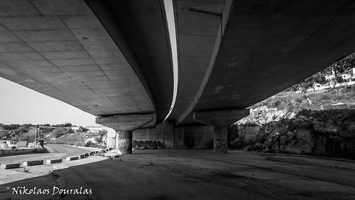 Black Bridges with Light Curves