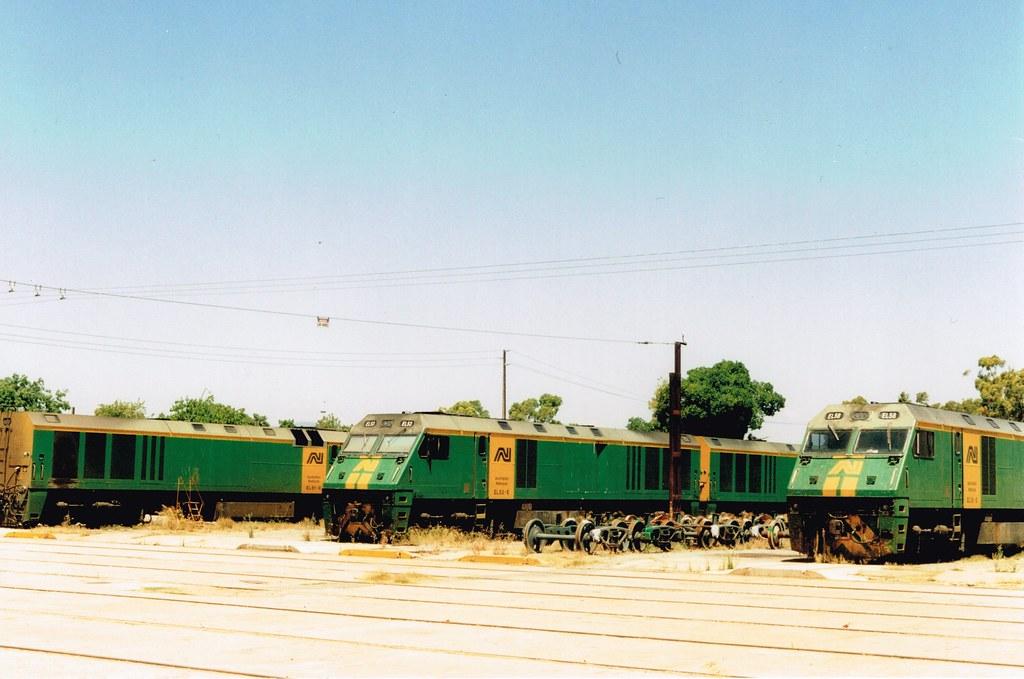 EL Islington 2 by Streamliner