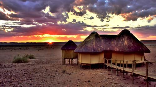 sunset namibia africansky namibnaukluft sossusdunelodge