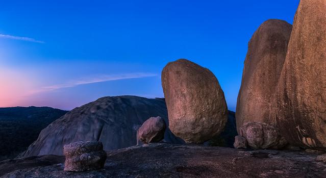 Balancing Rock .........