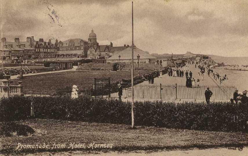 Hornsea Promenade 1917  (archive ref PO-1-65-28)