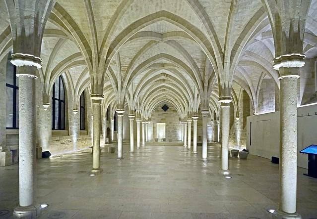La grande nef du collège des Bernardins (Paris)