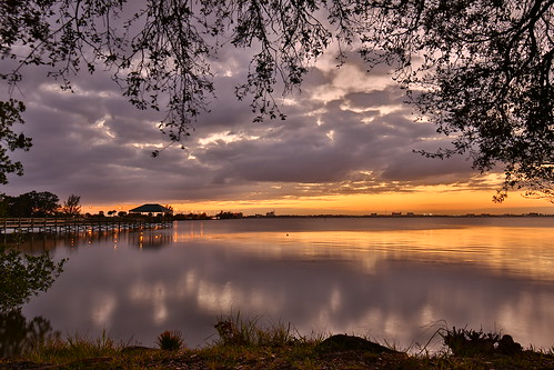longexposure trip travel sunset vacation sky usa sun holiday seascape reflection tree nature water skyline clouds america canon river lens landscape lights wasser sonnenuntergang unitedstates florida outdoor urlaub natur himmel wolken melbourne wideangle amerika fluss landschaft bäume spiegelung horizont lichter reise langzeitbelichtung weitwinkel 5dm3