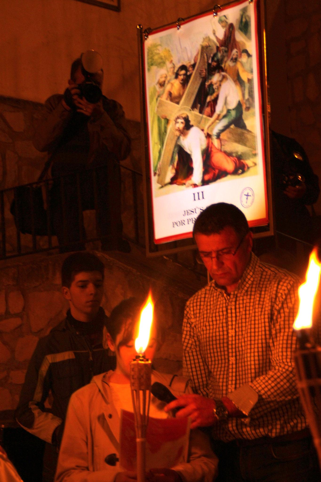 (2014-04-01) -  V Vía Crucis nocturno - Javier Romero Ripoll (23)