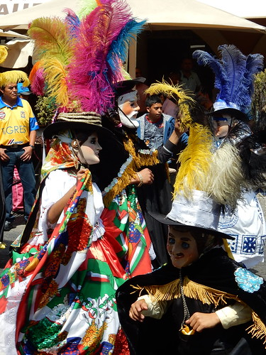Puebla - dansende carnavalsgroep - 1