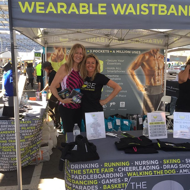 #goodbyfannypack Meet 12 patent holder @Lisa Henry Holmes #yesphx who created @thetubewaistband ! Available on Walmart.com and many other retailers!  They passed out cards at #patsrun Saturday: Get 20% off online orders using code: race2016 at thetubewais
