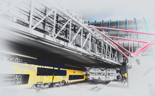 lines train crossing platform railwaystation flyover hss selectivecolours nederlandvandaag amsterdamsloterdijk sliderssunday