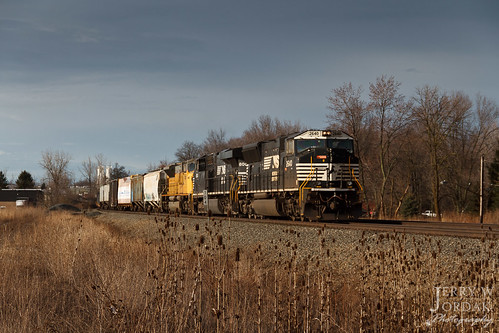 ohio clouds train us unitedstates ns macedonia darksky norfolksouthern manifest 2640 milepost sd70m trainm4a