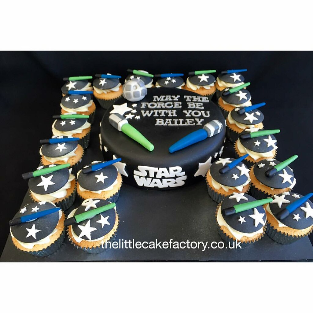 Admirable Star Wars Cake Cupcakes Starwars Cake Cupcakes Film Flickr Funny Birthday Cards Online Sheoxdamsfinfo