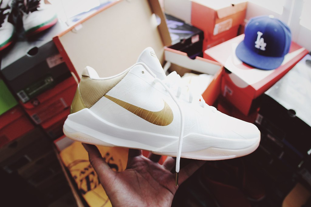 timeless design dcc74 87f39 ... Kobe 5 Big Stage Home   by Never Wear Them