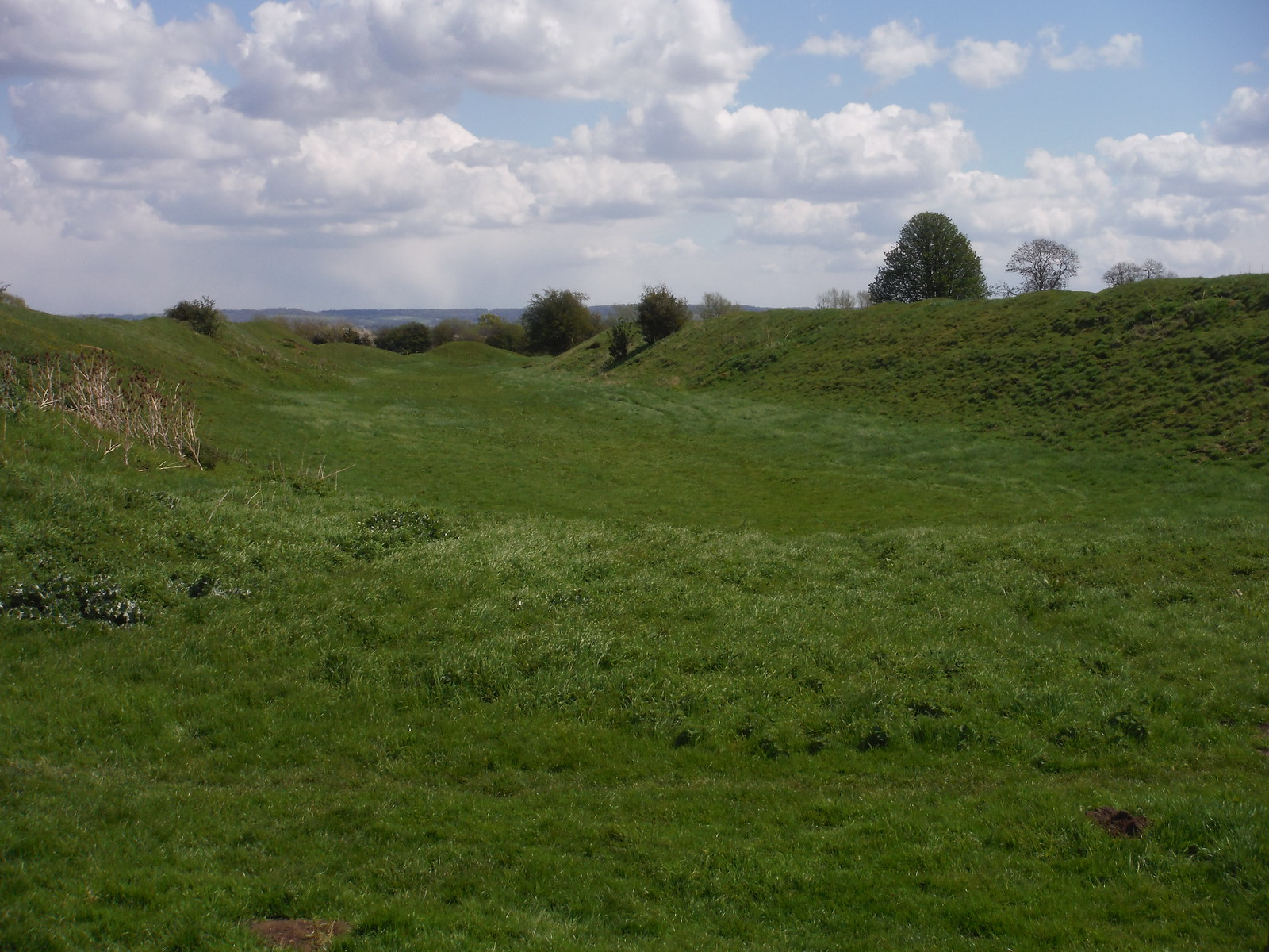 Dyke Hills Iron Age Earthworks from the West, near Dorchester-on-Thames SWC Walk 44 - Didcot Circular