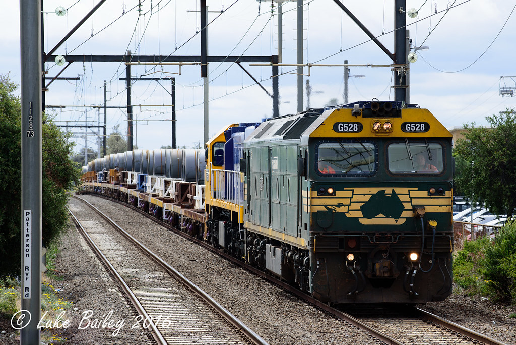 G528-XR551 with #9557 down Long Island goods at Carrum by Luke's Rail Gallery