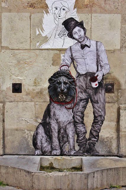 Levalet_1330 place Olympe de Gouges Paris 03