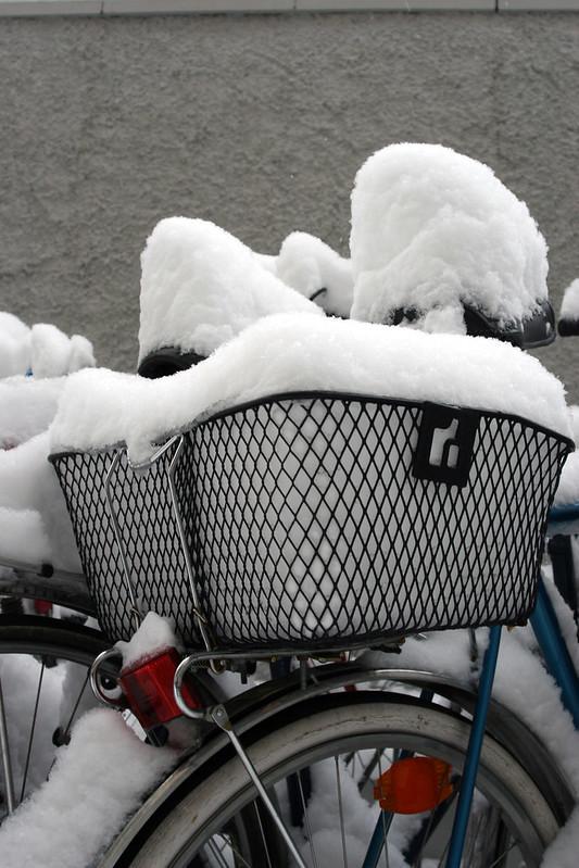 Einkaufskorb voll Weiß
