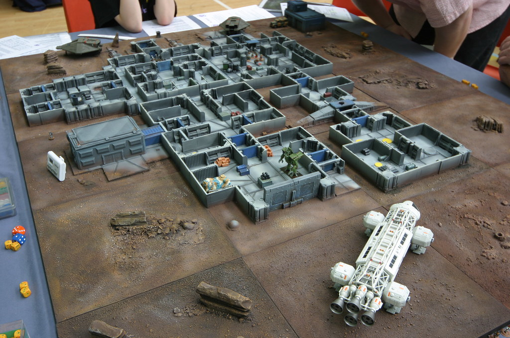 15mm SCI FI Wargame played on Old Crow Models Terrain | Flickr