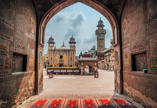 travel pakistan tourism beautiful horizontal architecture outdoors ancient asia islam landmark mosque pk punjab lahore islamic traveldestinations colorimage islamicculture mughalarchitecture wazirkhanmosque indiansubcontinent