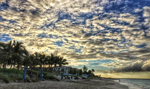 sunset beach clouds bahamas turksandcaicos gracebay gracebaybeach