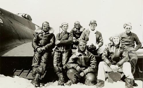 7 de 25 pilotos del Glacier Girl