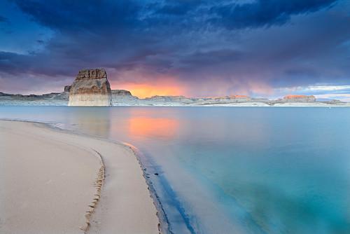light sunset sky southwest color beach clouds landscape utah nikon explore lakepowell glencanyon lonerock clearingstorm explored